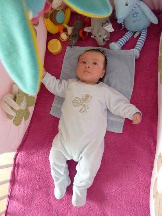 子供が夜泣きするのはフランスも同じ!赤ちゃんとの接し方や対処法とは?