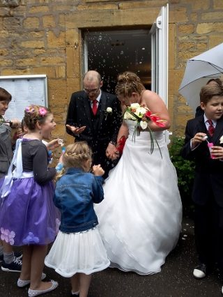 フランスの結婚式はオリジナル!翌日も付き合うタフなフランス人達!?